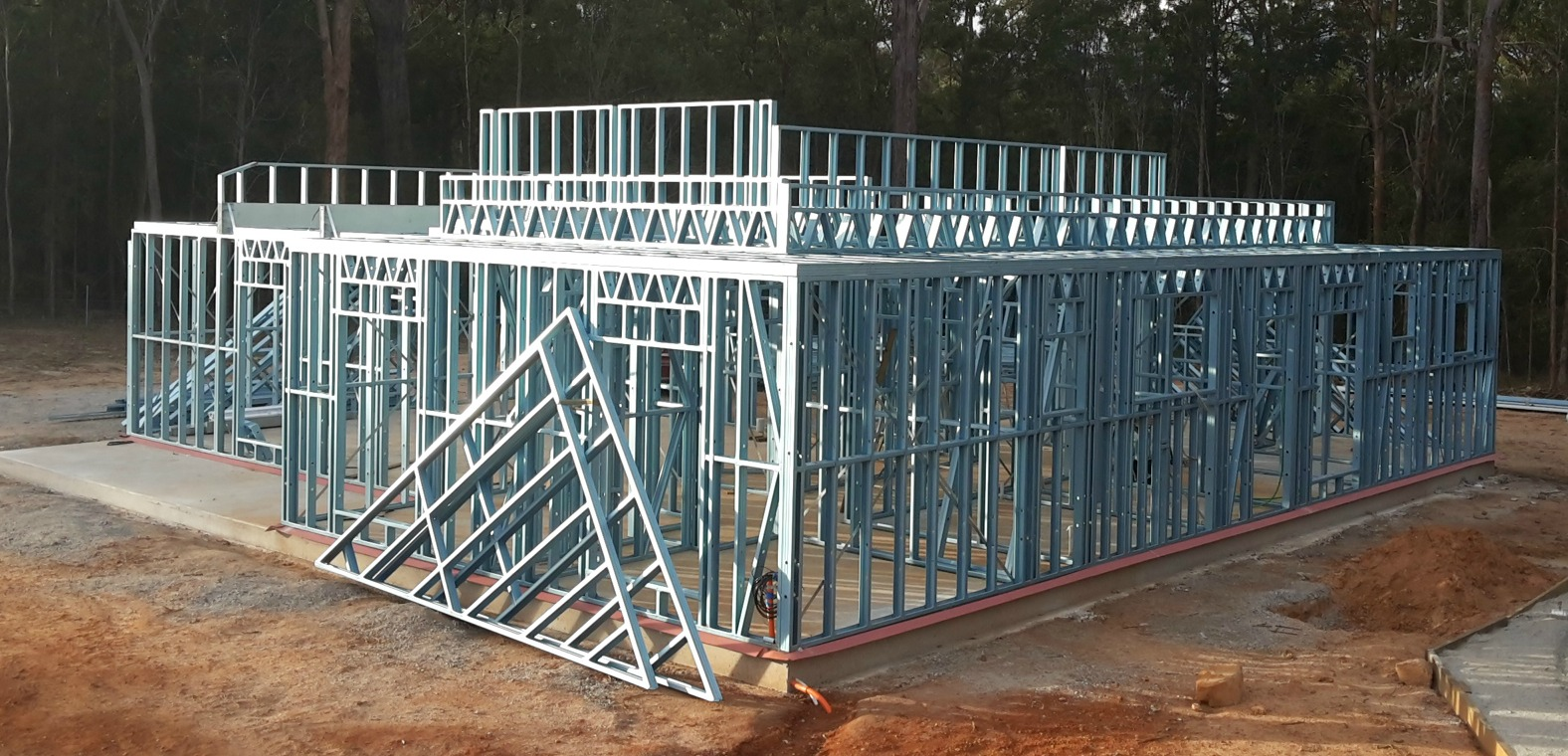 Steel frame roof supports