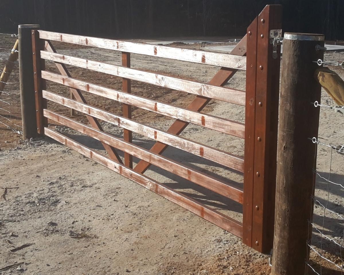 wooden farm gate, 6 bar gate, yeoman