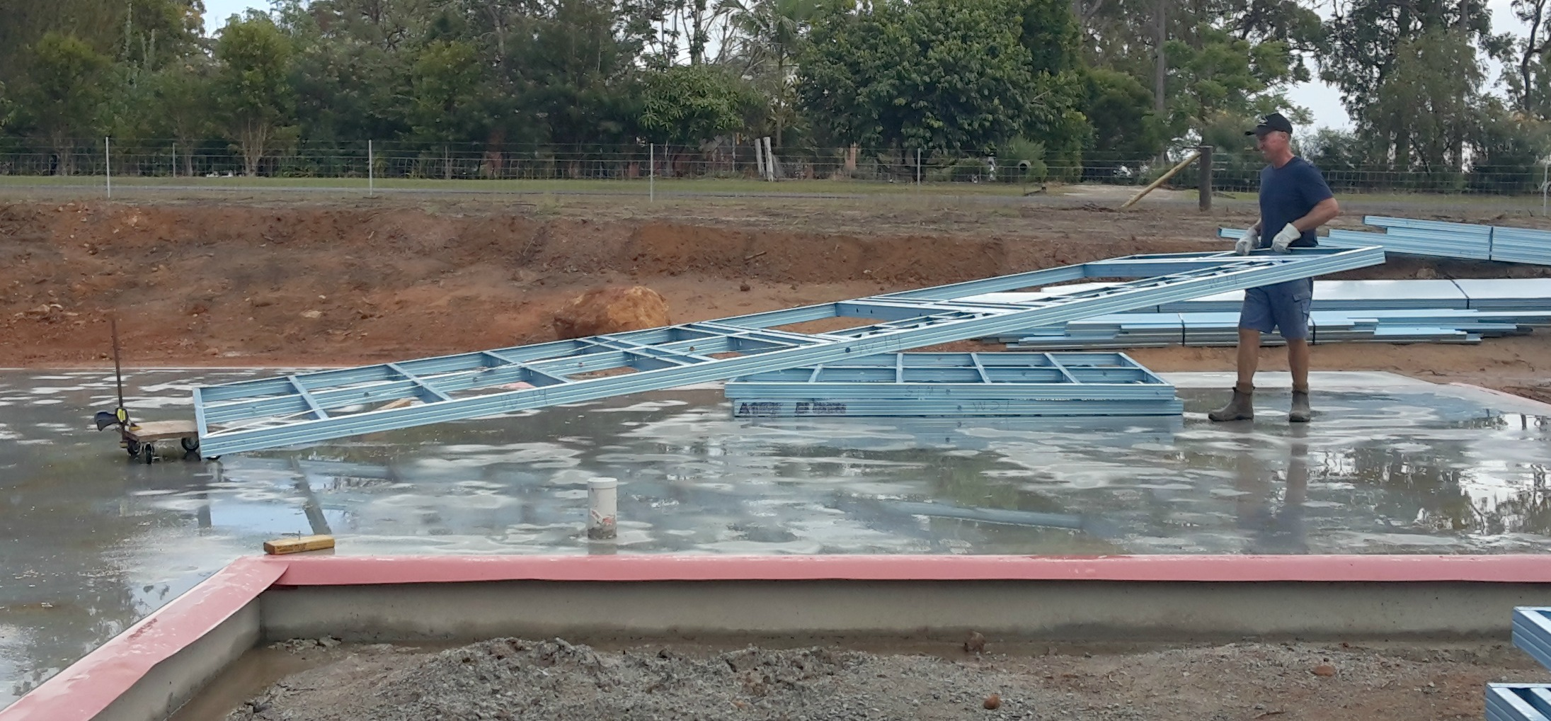 How to move a steel frame