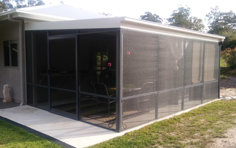screened outdoor room